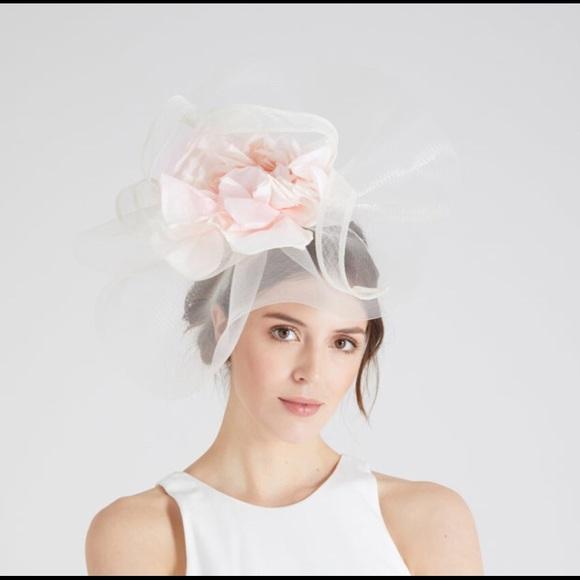 Accessories - Gorgeous light pink fascinator headband b53a1e47cd2